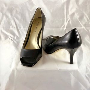 Nine West black leather shoes. Size 8.5